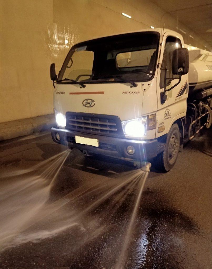 Cho thuê xe tưới nước rửa đường